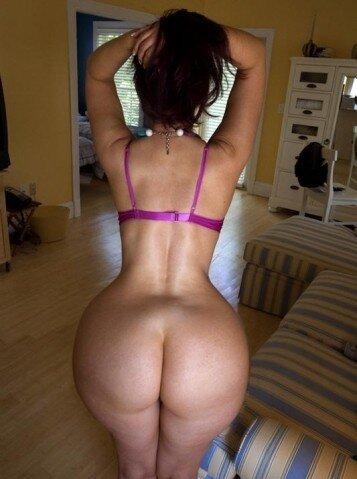 голая женщина с узкой талией и широкими бедрами частное фото
