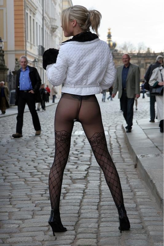 Pantyhose in publi