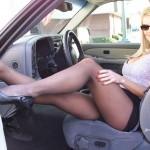 milf dans l'auto